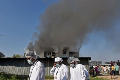 Cinco muertos por incendio en la mayor fábrica de vacunas, en India