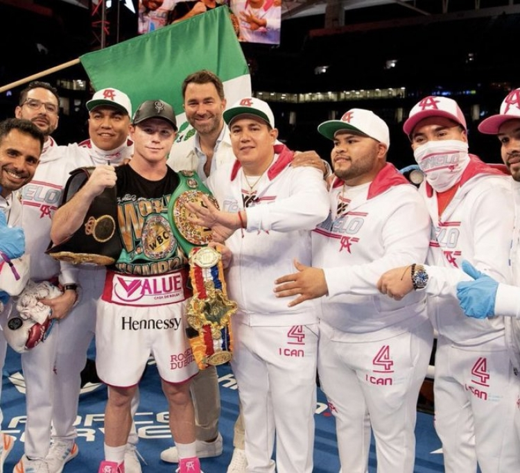 ´Canelo´ muele a su ex sparring en tres rounds